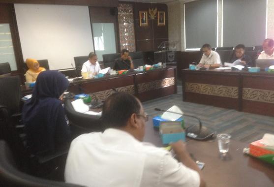 Hearing Komisi II DPRD Sumbar Dengan Dinas Pangan. membaha