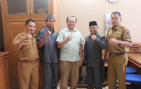 Kunjungan Anggota DPD RI Herman Danel ke DPRD Kota Payakumbuh.