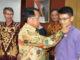 Pemasangan PIN UNP menandai pelepesan Kafilah UNP menuju Banda Aceh,,