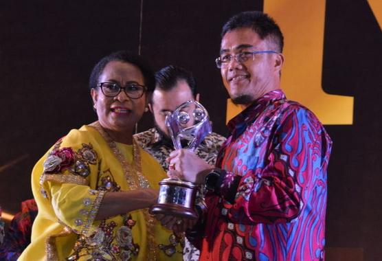 Penerimaan penghargaan Kota Layak Anak 2019.