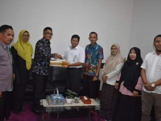 Dokumen Penetapan Calon Terpilih DPRD Kota Payakumbuh Periode 2019-2024, Diserahkan Kepada Walikota Payakumbuh.