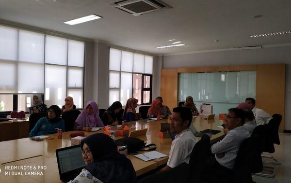 Rapat evaluasi Tim RB UNP. .