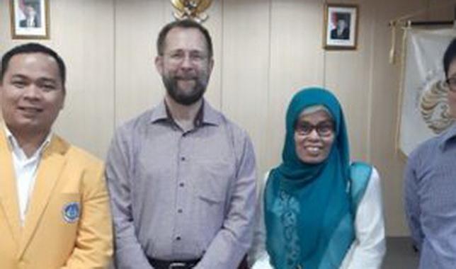 Tiga dosen UNP yang mengikuti workshop di Kedutaan Amerika.
