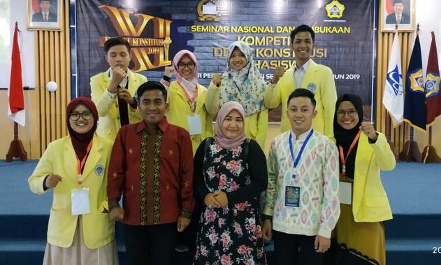 Tim Debat Konstitusi Universitas Negeri Padang .