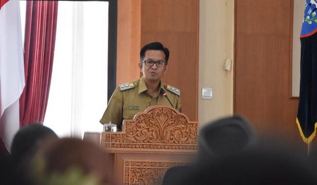 Wakil Wali Kota Payakumbuh Erwin Yunaz menyampaikan pengantar nota keuangan Wali Kota Payakumbuh terkait Ranperda APBD-P TA 2019.