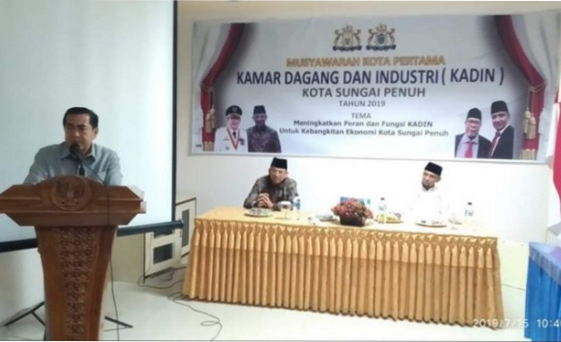 Wako Sungai Penuh, AJB saat membuka Musyawarah Kadin.