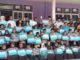 Wali Nagari dan Ketua BPRN Nagari Guguk Malalo bersama murid SD berprestasi.