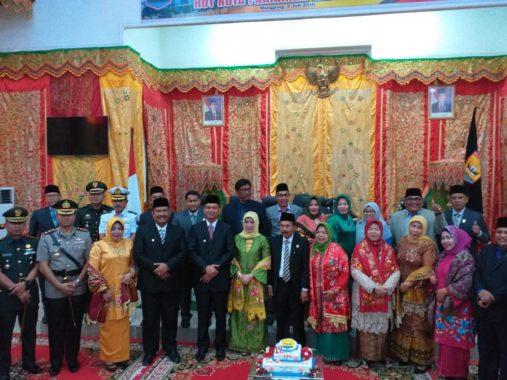 Walikota Genius Umar, Wakil Walitkota Mardison Mahyuddin bersama Ketua DPRD dan Forkompimda Kota Pariaman.