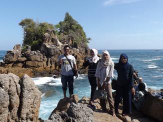 Wisatawan asal Padang di Taluak Sikulo.