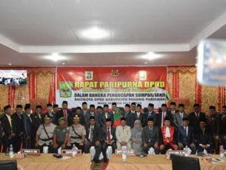 Anggota DPRD Kab. Padang Pariaman bersama bupati dan Forkopimda.