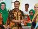 Bupati Hendrajoni bersama Tim Penilai Kabupaten Sehat Tingkat Nasional.