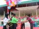 Bupati Sijunjung Yuswir Arifin tengah memotong benang balon menandai dimulainya perlombaan pada peringatan HUT RI ke-74.