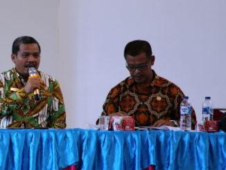 Dekan FBS UNP, Prof Ermanto saat memberi sambutan.