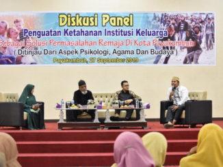 Diskusi Panel tentang Penguatan Ketahanan Institusi Keluarga sebagai Solusi Permasalahan Remaja.