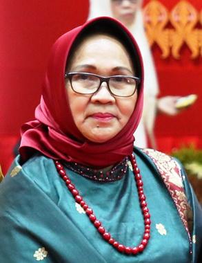 Dra. Emidar, M.Pd.