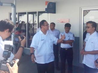 Edi Sukmoro saat diwawancarai wartawan.