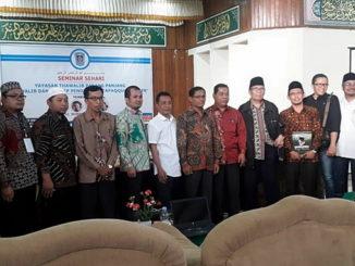 Foto bersama usai seminar sehari revitalisasi kurikulum di Thawalib Padang Panjang.