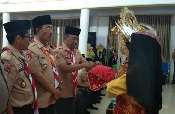 Ketua Kapusdiklatda Kwarda 03 Sumbar Candrianto didampingi Bupati Pasaman H. Yusuf Lubis, dan Drs.Mara Ondak saat Penilaian Kwarcab Tergiat tahun 2019