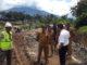 Kadis PUPR Payakumbuh Muslim bersama Wako saat meninjau pelaksanaan proyek pembangunan di kota Payakumbuh.
