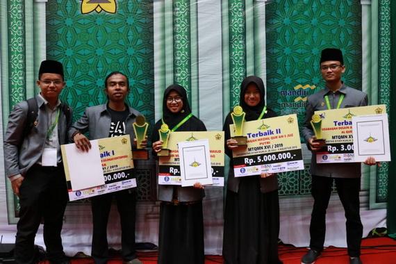 Kafilah UNP yang meraih prestasi di Banda Aceh.