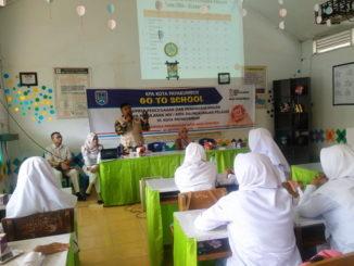 Kegaiatan pemahaman tentang bahaya HIV-AIDS di SMK Kosgoro kota Payakumbuh.