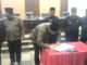 Ketua DPRD Sumbar saat menandatangani nota kesepakatan APBD Perubahan
