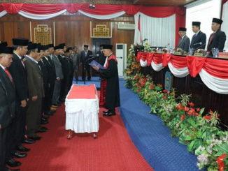 Pelantikan dan penambhilan sumpa- - janji Anggota DPRD Kab. Kerinci.