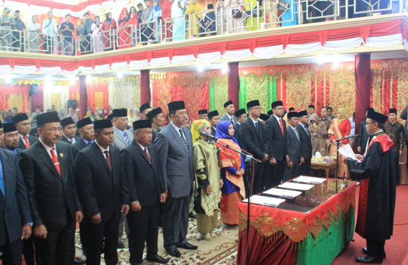 Pelantikan dan pengambilan sumpah Anggota DPRD Kab. Solok Periode 2019 0 2024.