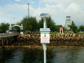 Pemasangan stasiun telemetri Pasang Surut di Pulau Nipa.