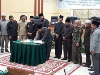 Penandatanganan kesepakatan KUA PPAS – APBD 2020 Kota Padang Panjang. oleh Walikota F
