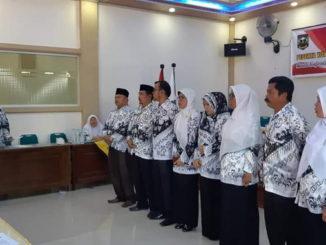 Pengukuhan pengurus PGRI Cabang Sijunjung.