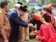 Penyambutan Waabup Yulfadri Nurdi saat menhadiri Milad ke 3 Ponpes Darussalam.