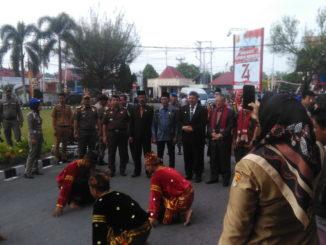 Penyambutan rombongan Wali Kota Toyohashi dengan Tari Pasambahan.