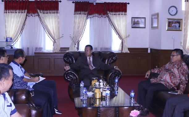 Pertemuan Walikota Pariaman dengan pimpinan UNP.