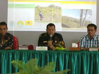 Rektor Prof Ganefri dalam perbincangan terkait dipercayanya oleh BAN-PT Dikti Prodi S2 Ilmu Lingkungan dengan predikat akreditasi A.