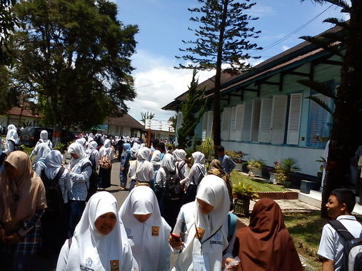SMAN-1 Padang Panjang, salah satu SMTA yang diburu oleh pelajar dari luar daerah.