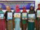 Sebagian peserta PPM Menggambar dengan Teknik Cat Air dari SD 01, 02, 07 dan 08 Ulak Karang, Padang dengan karya masing-masing