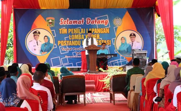 Sekdakab Solok Aswirman saat memberi sambutan.
