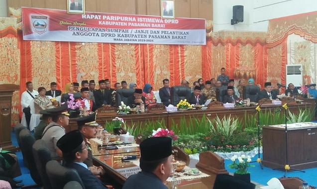 Sidang paripurna pelantikan Anggota DPRD Kab. Pasaman Periode 2019 - 2024.