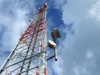 Tower telekomunikasi.