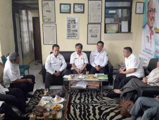 Diskusi di PWI Padang Panjang.