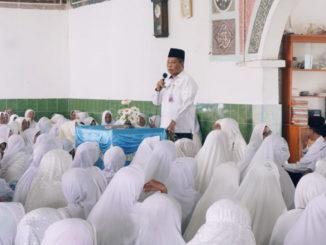 Hendra Kurniawan sambutan pada wirid bulanan Rawiya di Masjid Raya Languang Kecamatan Rao Utara,