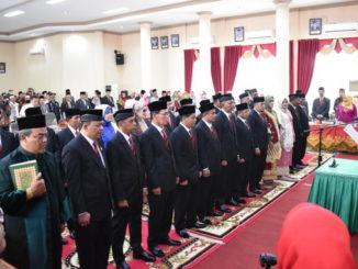 Pengucapan sumpah dan janji anggota DPRD Kota Payambuh Periode 2019 - 2024.