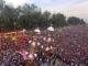 Pesta Hoyak Tabuik kota Pariaman yang diramaikan ratusan pengunjung.