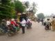 Suasana pembagian masker yang dilakukan jurnalis Sijunjung di Tanju