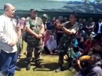 Wagub Nasrul Abit saat mengunjungi perantau Minang di Wamena.