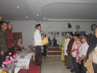 Wakil Bupati H. Zuldafri Darma melantik Pengurus IKNP.