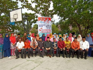 Anggoata Komisi V DPRD Sumbar foto bersama dengan Majlis Guru SMA 1Tanjung Mutiara
