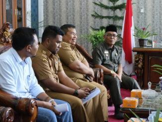 Bupati Yulianto saat menyambut Tim Verifikasi Penataan Nagari dari Provinsi Sumatera Barat.
