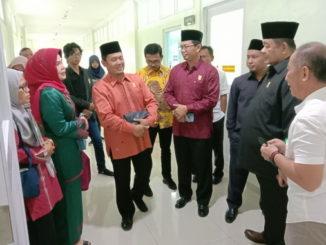 Komisi V DPRD Sumbar saat meninjau Rumah Sakit Paru Sumatera Barat di Lubuk Alung